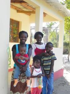 Carolina Sitoe & her family